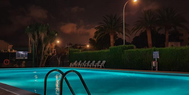 19 h pool 5